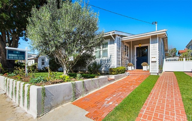 1151 9th Street, Manhattan Beach, California 90266, 3 Bedrooms Bedrooms, ,3 BathroomsBathrooms,Single family residence,For Sale,9th,SR19023340
