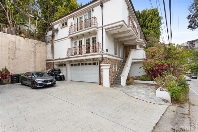 3625 Coldwater Canyon Avenue, Studio City, CA 91604
