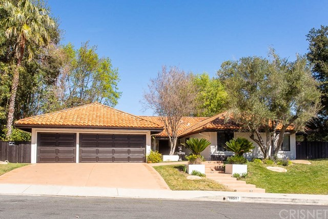 19557 Braewood Drive, Tarzana, CA 91356