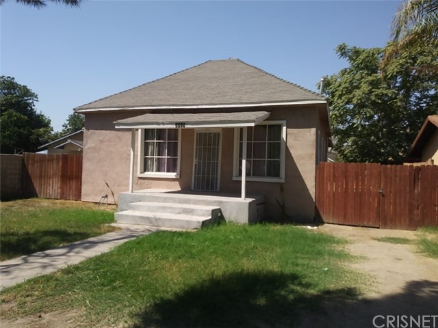 3715 L Street, Bakersfield, CA 93301