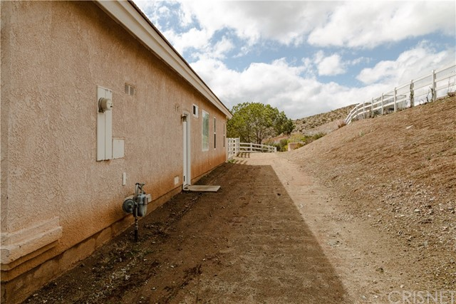 33933 Meyers Creek Rd, Acton, CA 93510 Photo 22