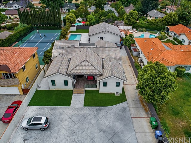 22913 Burbank Boulevard, Woodland Hills, CA 91367