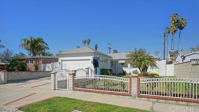 16949 Cantlay Street, Lake Balboa, CA 91406