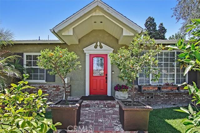 2. 5521 Van Noord Avenue Sherman Oaks, CA 91401