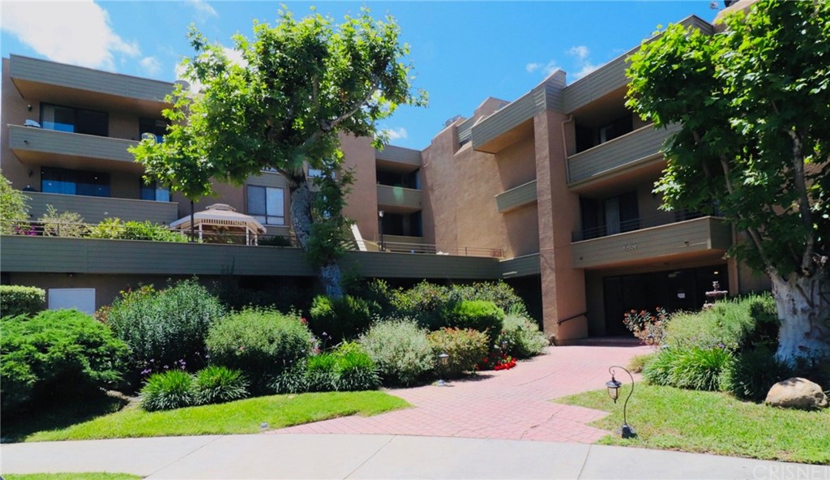 Photo of 16866 KINGSBURY STREET #104, Granada Hills, CA 91344