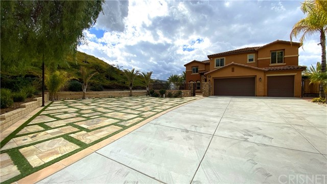 16923 Royal Pines Lane, Canyon Country, CA 91387