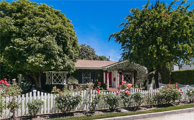 14911 Greenleaf Street, Sherman Oaks, CA 91403
