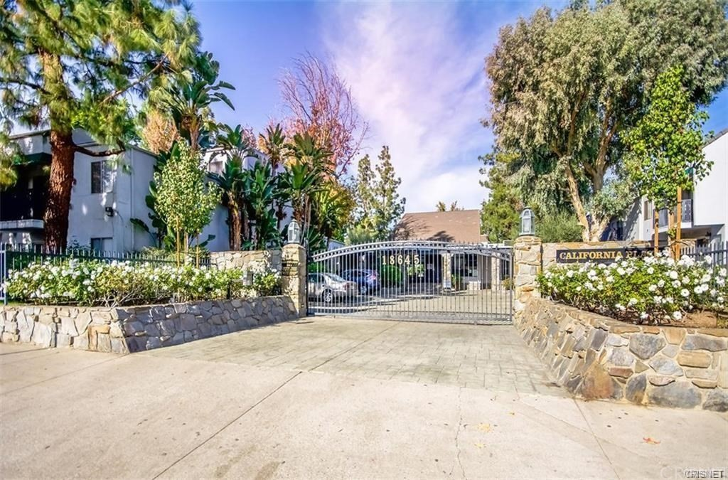 Photo of 18645 HATTERAS STREET #247, Tarzana, CA 91356