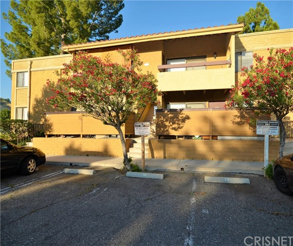 18752 Mandan Street 1004, Canyon Country, CA 91351