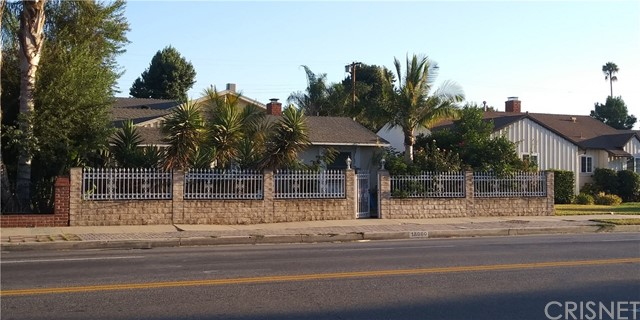 18000 VANOWEN Street, Reseda, CA 91335