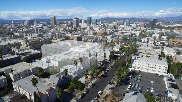 957 Arapahoe Street, Los Angeles, CA 90006