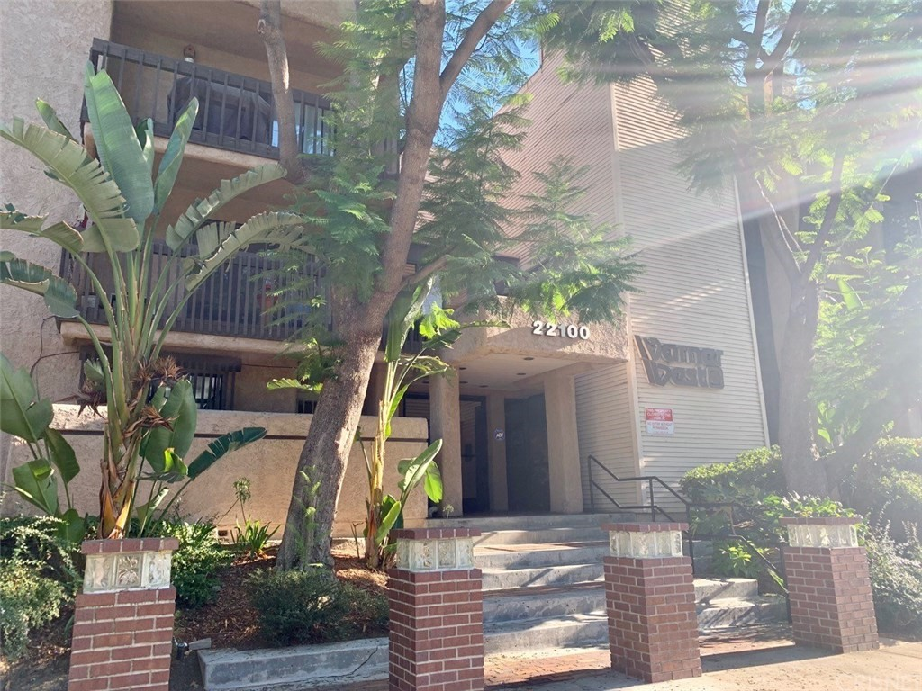Photo of 22100 BURBANK BOULEVARD #218B, Woodland Hills, CA 91367