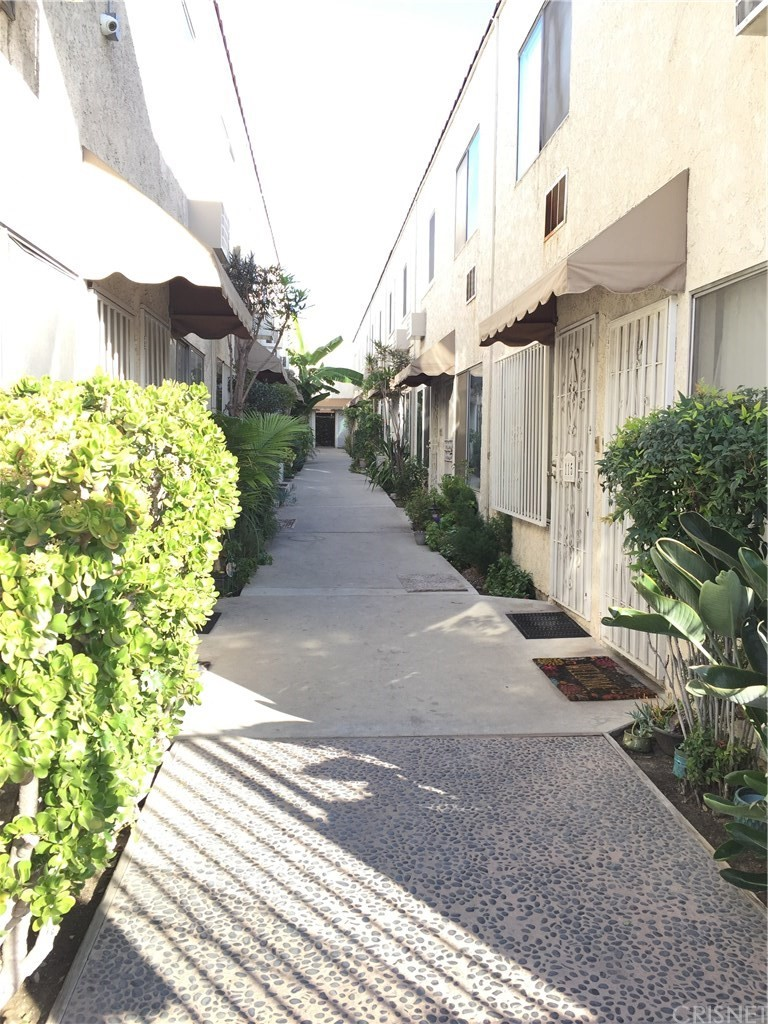 Photo of 11015 KITTRIDGE STREET #115, North Hollywood, CA 91606
