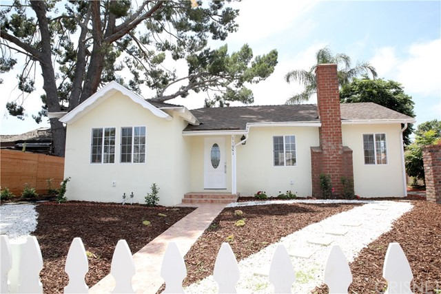 Photo of 11001 Haskell Avenue, Granada Hills, CA 91344