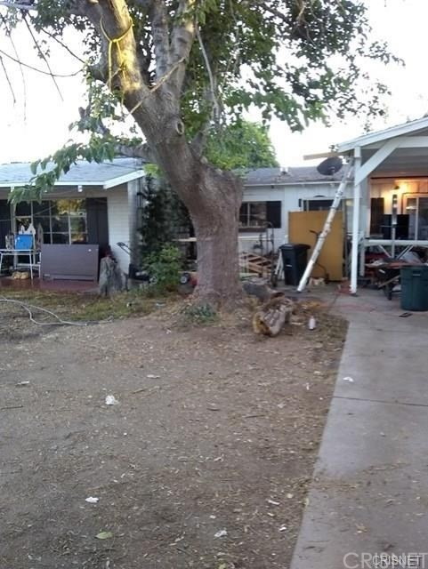 23234 Victory Boulevard, Woodland Hills, CA 91367