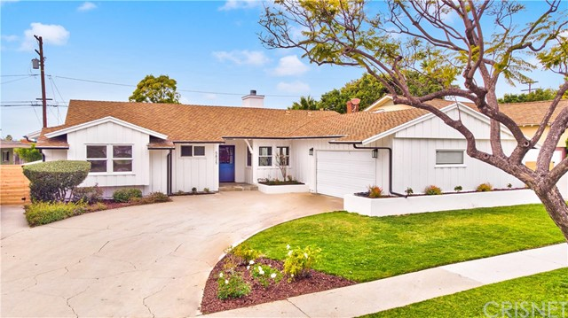 5825 S Garth Avenue, Ladera Heights, CA 90056