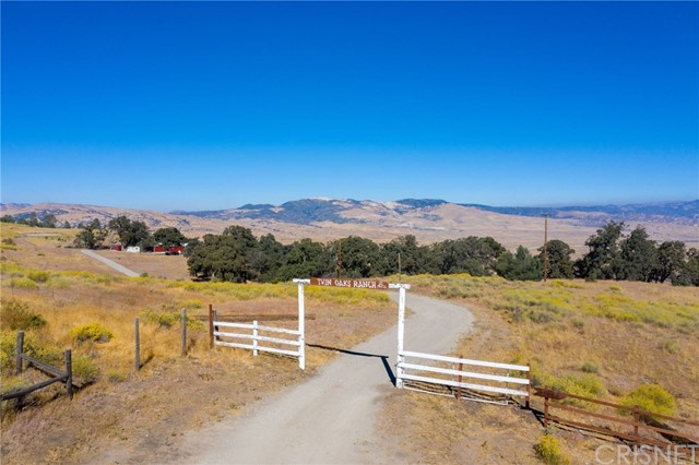 47385 Ridge Route Rd, Lake Hughes, CA 93532 Photo