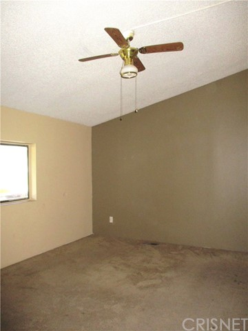 29636 Silver St, Val Verde, CA 91384 Photo 4