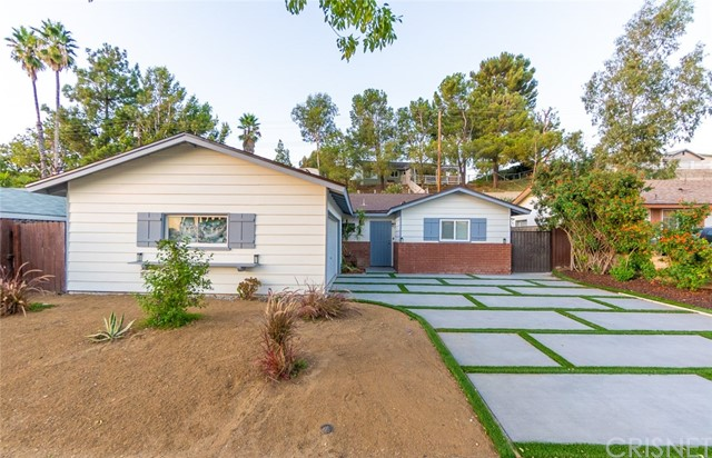 19615 Steinway Street, Canyon Country, CA 91351