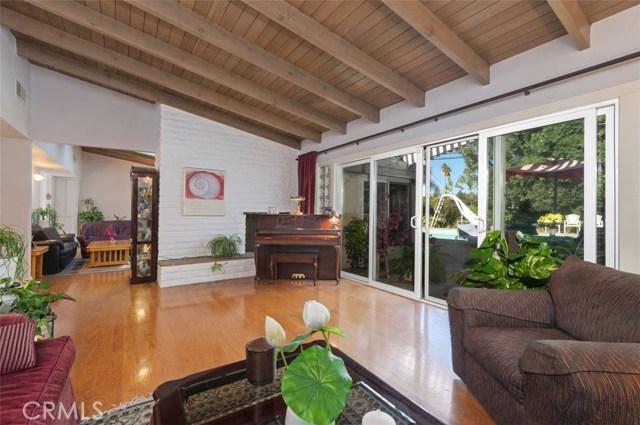 4531 Larkwood Avenue, Woodland Hills, CA 91364