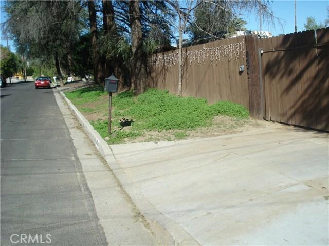 8560 Variel Avenue, Canoga Park, CA 91304