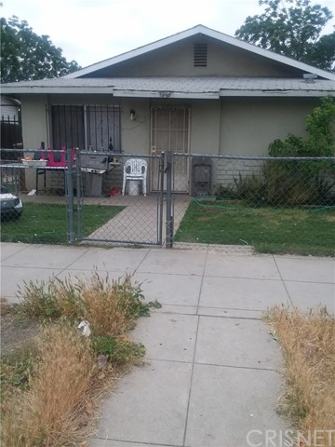 1207 Monterey Street, Bakersfield, CA 93305