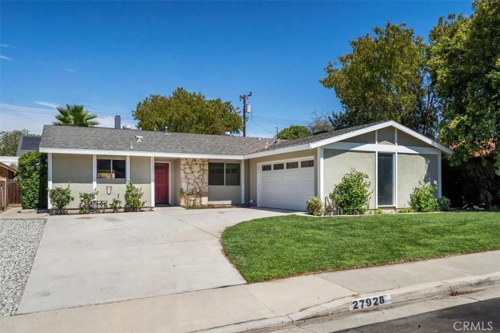 27928     Pinebank Drive, Saugus CA 91350