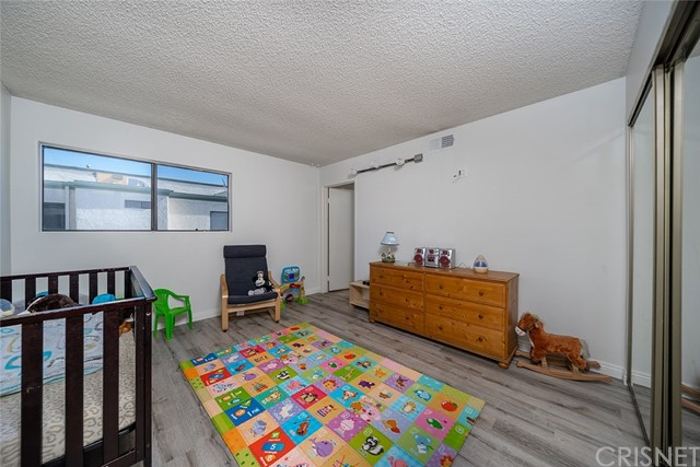 14325 Foothill Bl, Lakeview Terrace, CA 91342 Photo 13