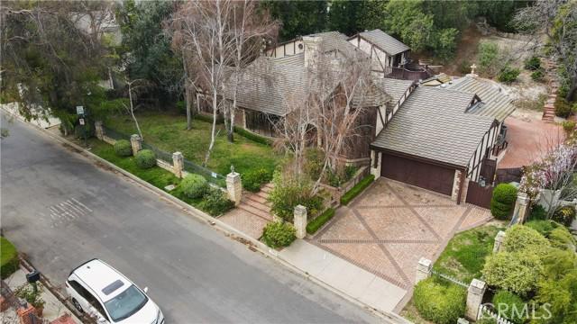 Image 2 of 4301 Valley Meadow Rd, Encino, CA 91436