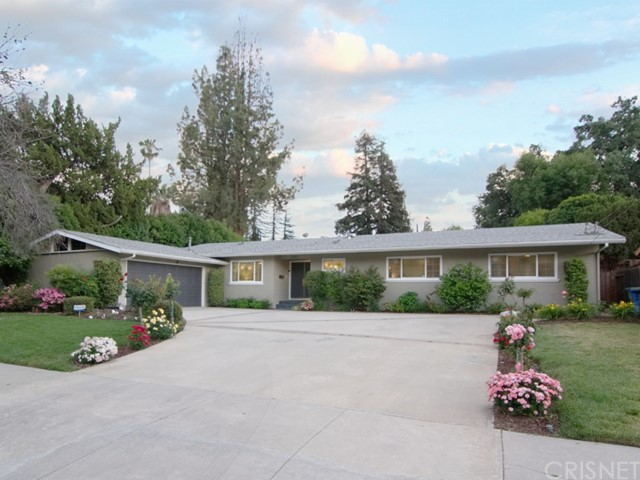 23320 Canzonet Street, Woodland Hills, CA 91367