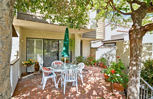 21500 Califa Street 143, Woodland Hills, CA 91367