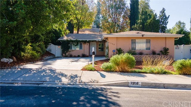 Photo of 7208 Pomelo Drive, West Hills, CA 91307