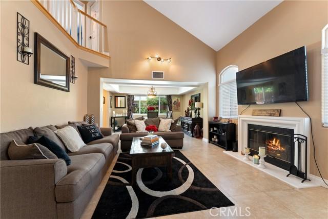 3. 15025 Portofino Lane #10 North Hills, CA 91343