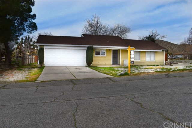 39465 Frontier Circus Street, Lake Los Angeles, CA 93591