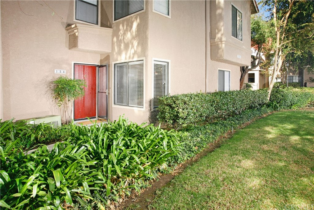 Photo of 2351 ARCHWOOD Lane #154, Simi Valley, CA 93063