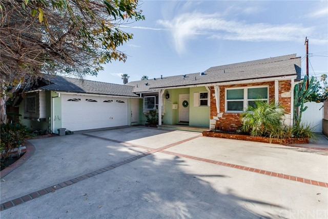 7707 Gazette Avenue, Winnetka, CA 91306