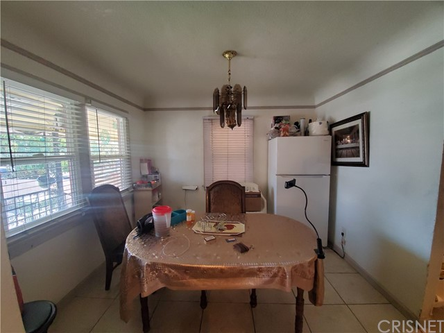 Front unit dining area