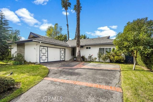 6621 Petit Avenue, Lake Balboa, CA 91406
