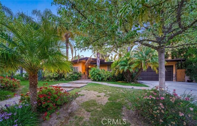 49. 5511 Fenwood Avenue Woodland Hills, CA 91367