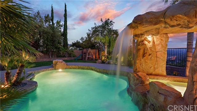 29547 Big Bend Place, Canyon Country, CA 91387
