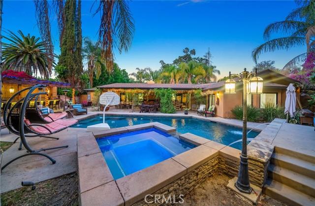 70. 5511 Fenwood Avenue Woodland Hills, CA 91367