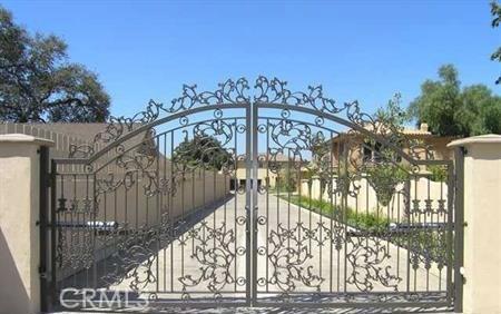 17531 Encino Lane, Encino, CA 91316