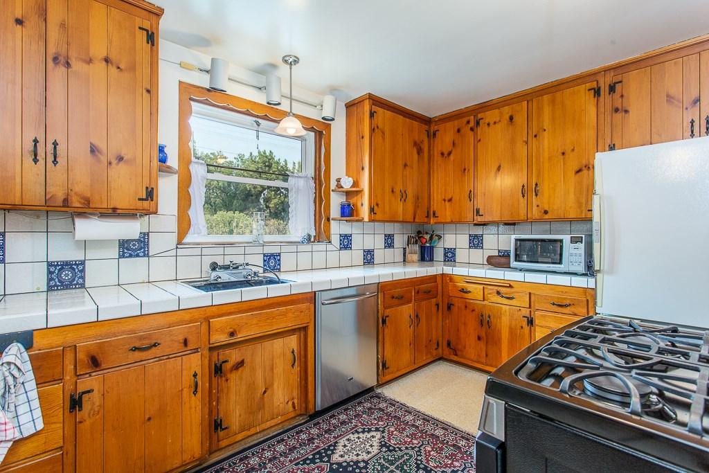 17624 Parthenia St, Sherwood Forest, CA 91325 Photo 22