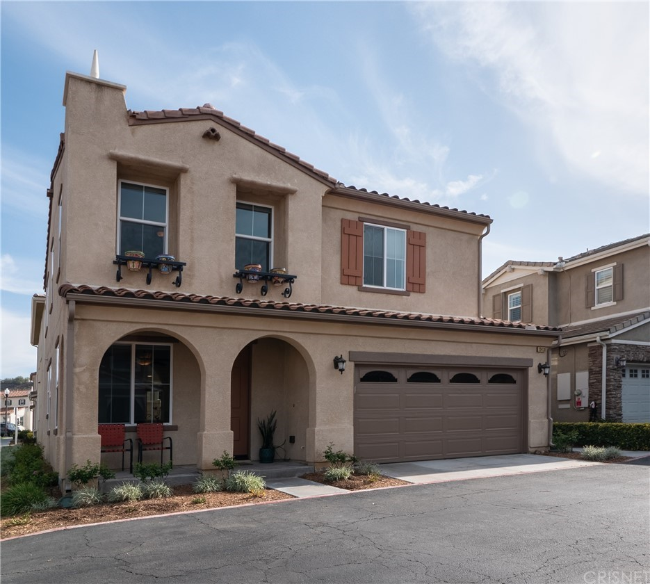 20420     Victory Court, Newhall CA 91350