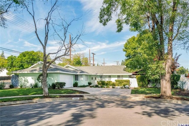 20455 Gresham Street, Winnetka, CA 91306