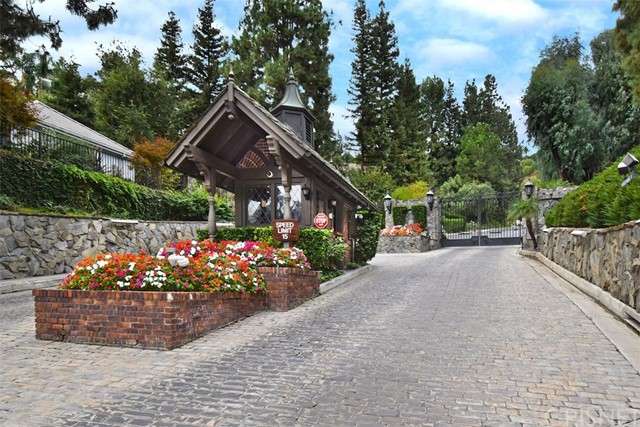 16159 Valley Meadow Place, Encino, CA 91436