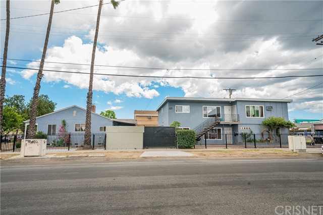 7463 Troost Avenue, North Hollywood, CA 91605