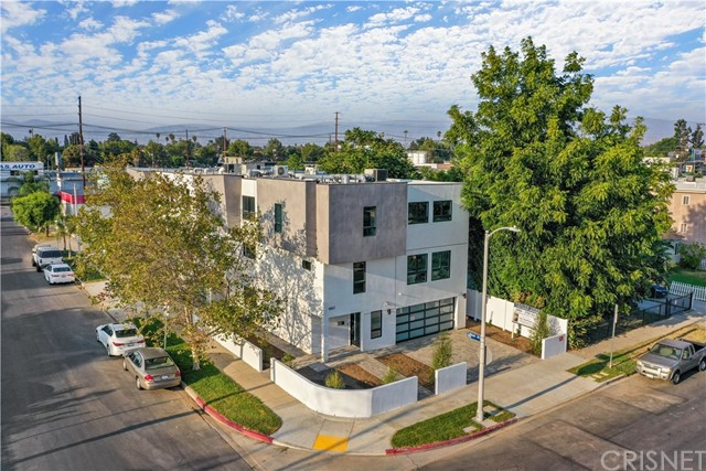 14157 Tiara Street 101, Sherman Oaks, CA 91401