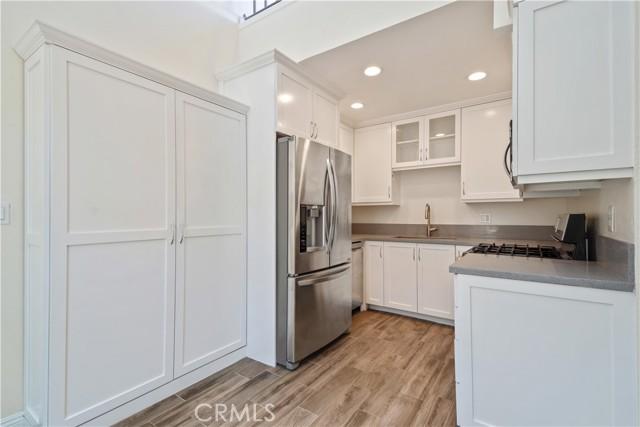 9. 14937 Dickens Street #203 Sherman Oaks, CA 91403