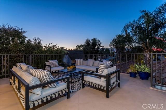29. 6402 Lindenhurst Avenue Los Angeles, CA 90048